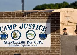 Autoriser les auteurs allégués du 11/9 à plaider coupable, puis les condamner à mort sans procès, serait l'obstruction absolue à la justice thumbnail