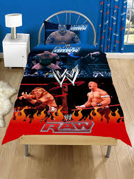 WWE-HOUSSE-2