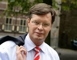 http://tbn1.google.com/images?q=tbn:MMAd7OFwL7bi6M:http://www.typically.nl/wp-content/uploads/2008/08/jp_balkenende.jpg
