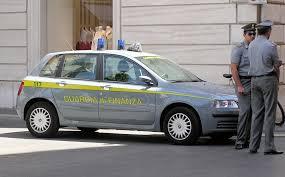 http://tbn1.google.com/images?q=tbn:OiFBdvTsGnWUzM:http://upload.wikimedia.org/wikipedia/commons/e/e2/Guardia.di.finanza.car.arp.jpg