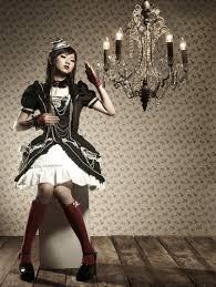 http://tbn1.google.com/images?q=tbn:azYRQhcI2oa2-M:http://imalbum.aufeminin.com/album/D20070728/307142_KOLOU71I5DJB8XK2GXX2DQFINATIAS_fashion_lolita_H192154_L.jpg