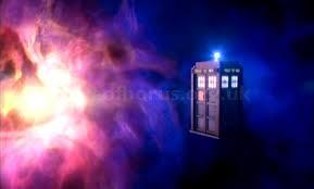 En direct du TARDIS voici le Doctor et les Daleks.....Oups! Doomsday-tardis-supernova