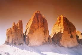 TreCime 8 SITO 5 luglio 2009 ore 12.00: Le Dolomiti abbracciano l'Africa. Catena umana attorno alle Tre Cime di Lavaredo.