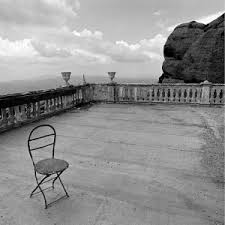 lonely-chair-g3393.j