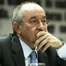 El presidente del Banco de España reclama reformas laborales para superar la crisis