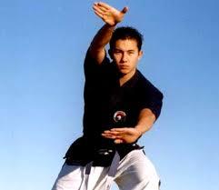 http://tbn1.google.com/images?q=tbn:sPzlLmw9W2JjjM:http://www.middle-east-online.com/pictures/biga/_24882_karate_19-7