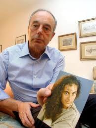 Beppino Englano, con una foto de su hija Eluana