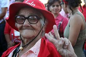 Celebraciones en El Salvador por la victoria de Mauricio Funes